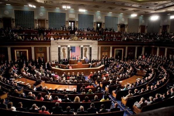 مجلس نمایندگان آمریکا با بودجه احداث دیوار مرزی موافقت کرد