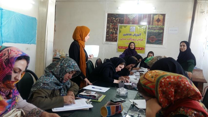 مهارت آموزی صنایع دستی در شهر ملی گلیم ارتقا می یابد