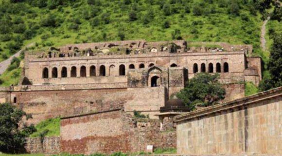 این 10 مکان عجیب در هند شما را تا سر حد مرگ می ترسانند!