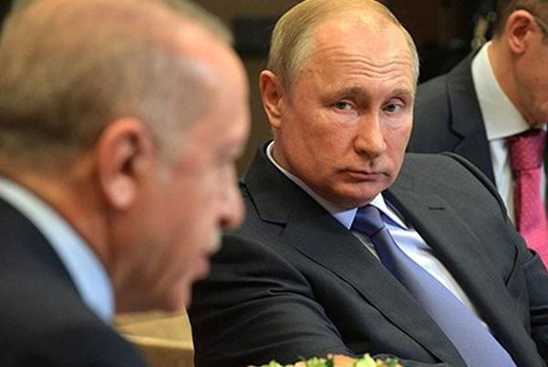 فیلم، پوتین به مدت 2 دقیقه اردوغان را پشت اتاق معطّل نگه داشت!