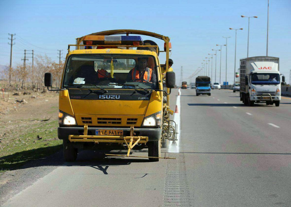 خبرنگاران خط کشی حدود 2 هزار کیلومتر راه در سیستان و بلوچستان