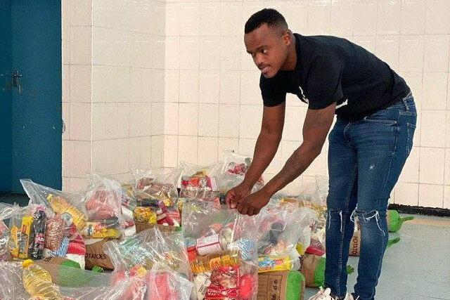 یاری پاتوسی به نیازمندان کشورش