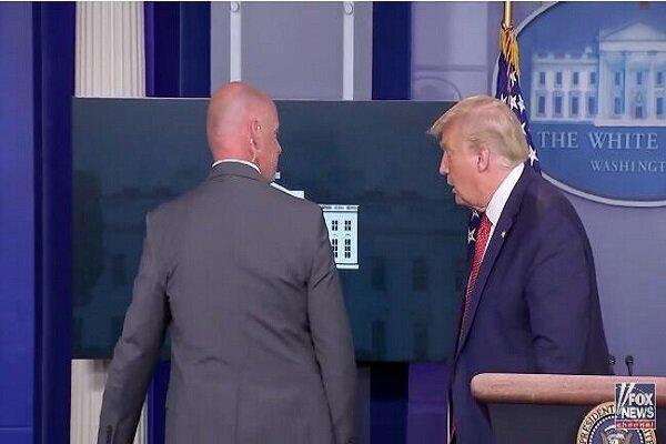 ترامپ به دلیل تیراندازی در اطراف کاخ سفید نشست خبری را ترک کرد