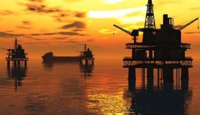 سقوط 4 درصدی قیمت نفت خام در واکنش به کرونای ترامپ