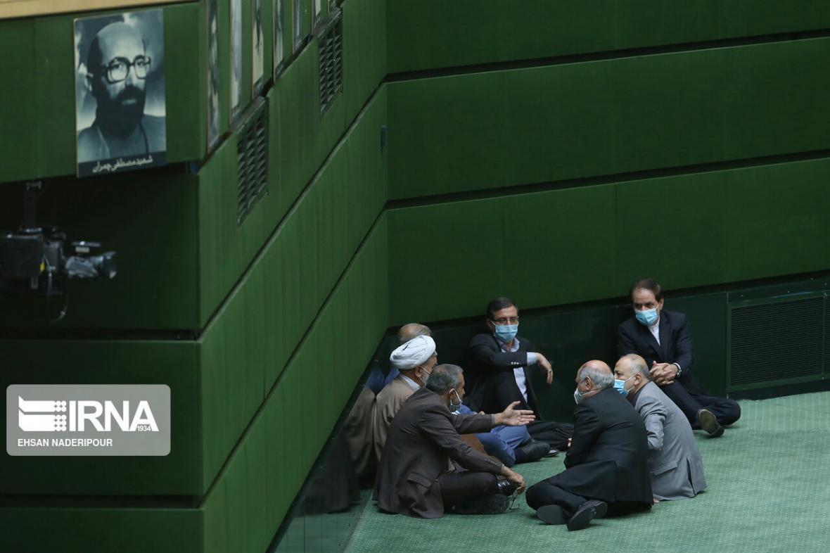 خبرنگاران فعال اصلاح طلب: بخشی از تخریب ها علیه دولت، انتخاباتی است