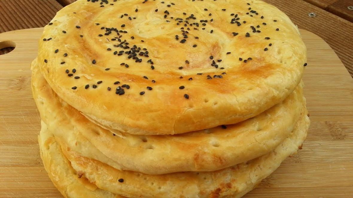 طرز تهیه نان فطیر؛ تجربه شیرین درست&zwnjکردن نان در خانه