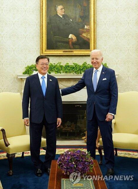وزیر اتحاد مجدد کره: نشست بایدن و مون شرایط را برای مصاحبه با پیونگ یانگ فراهم کرده است