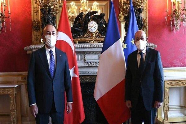 وزرای خارجه ترکیه و فرانسه درباره سوریه و لیبی مصاحبه کردند