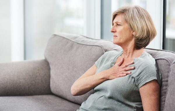 حمله قلبی یا سوزش سر دل؛ چگونه به تفاوت این دو پی ببریم؟